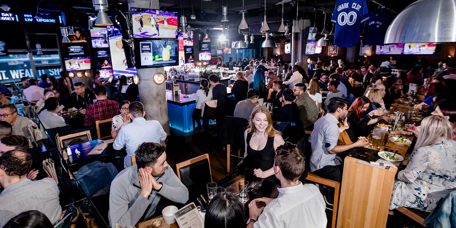Shark Club Sports Bar & Grill Toronto - Gallery 2
