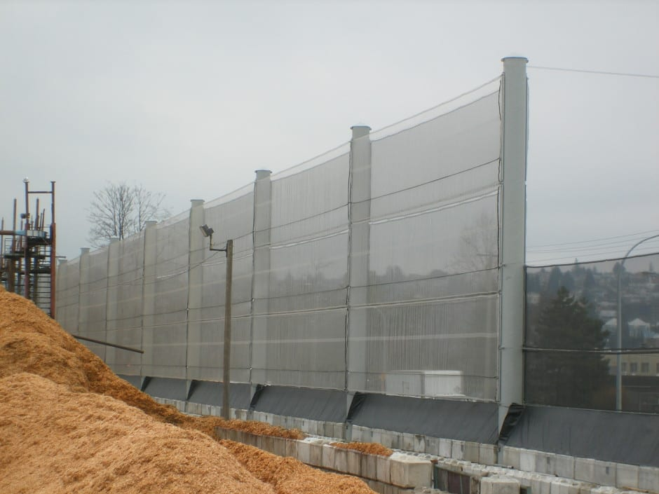 Wind fencing / break - For a chip pile