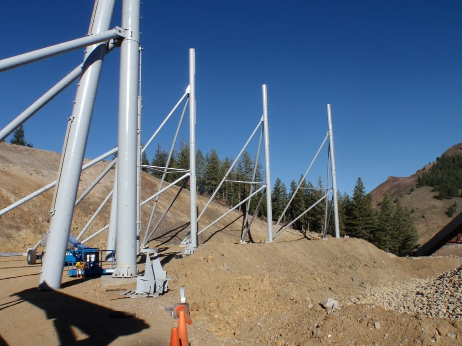 Poles for wind fencing - 30 m (100ft) high poles for dust control wind fencing