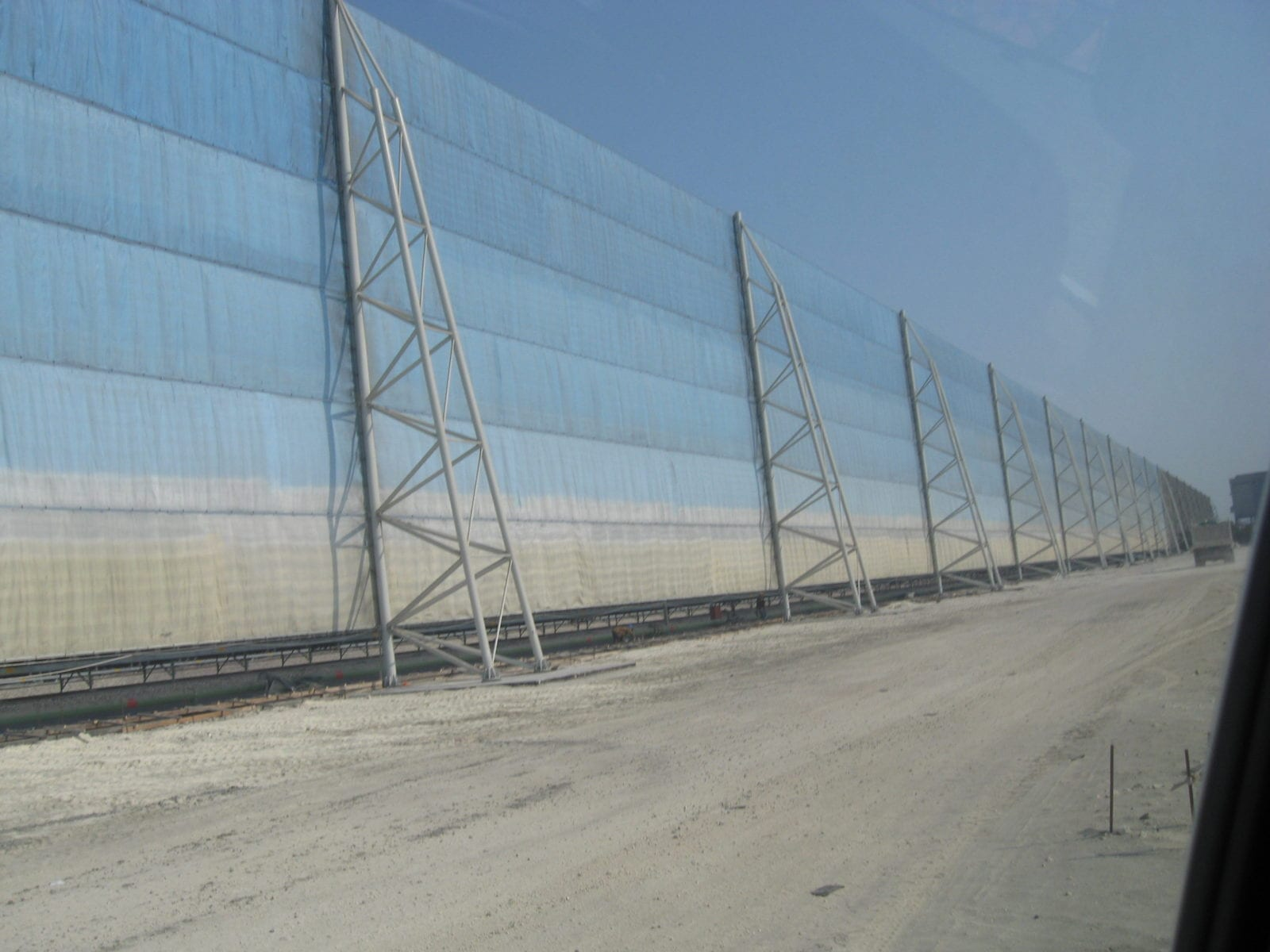 best fencing to control dust high winds