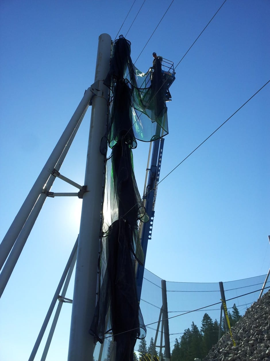 Installing fabric on wind fencing - Dust solution wind fencing for mine
